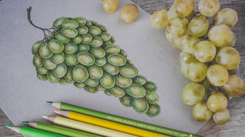 How to draw grapes with colored pencils